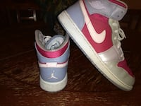 pair white-and-red air jordan 1 North Las Vegas, 89030
