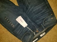 Womens guess Jean's size 29-30 brand new ! Lethbridge, T1K 4T7