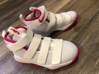 Nike Lebron Kay Yow Cancer Fund Shoes Willoughby, 44094