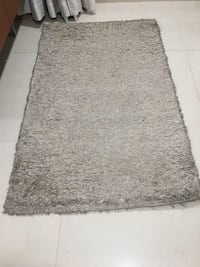 Beige coloured fur rug Mumbai, 400072