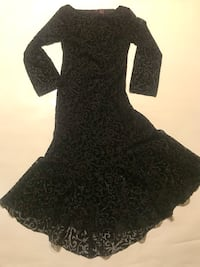 Size 4 Black Sheer/ Velvet Dress Las Vegas, 89146
