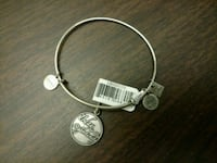 NEW Alex & Ani Bracelet w Free Gift Quincy