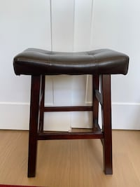 Set of 2 Padded Saddle Bar Stools (Walnut/Black)