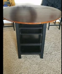 Nice wood table w/ 2 chairs $80 OBO Council Bluffs, 51501