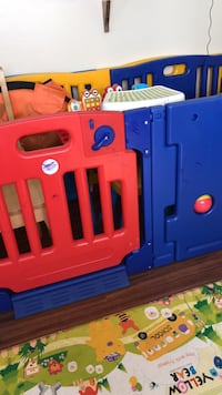 blue and red plastic playpen Los Angeles, 90007