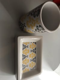 White and red floral ceramic soap holder and cup Arlington, 22205