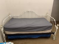 Rod Iron Day Bed with Trundle Bed