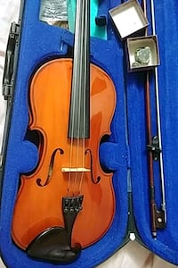 brown violin with bow in case works Toronto