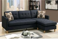 Black Reversible sectional w/ 2Accent pillows