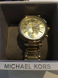 round gold-colored chronograph watch with link bracelet Ajax, L1T 2C6