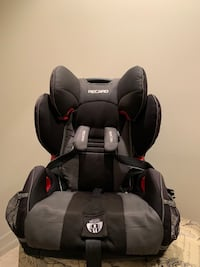 baby's black and gray car seat Sayreville, 08859