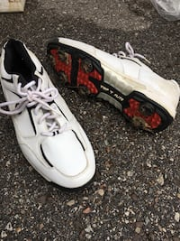 Golf Shoes - Men's Size 9                                     Only used twice