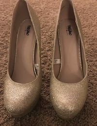 Mossimo ladies 5 1/2 glitter heels North Las Vegas, 89031