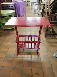 Red magazine table $50 plus tax  Spring Hill, 37174