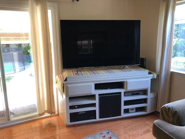 Used Custom Tv And Stereo Stand Holds On A Swivel Os Not For In Stockton Letgo