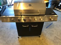 5 burner barbecue with side burner Lake Country, V4V 2P3