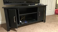 Tv stand- cosmetic damage, can be glued Bridgewater, 08807
