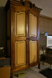 Cabinet/ armoire