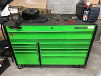 Green and black tool cabinet Montréal, H8R 2K4