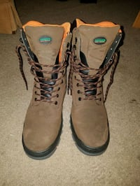 Mens Hytest steel toe boots  28 km