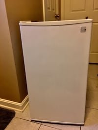 Kenmore mini fridge freezer  Arlington, 22203