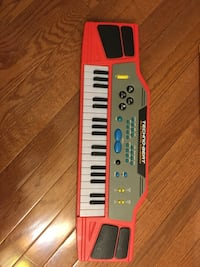 Red and black techno electronic key board Herndon, 20171