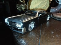 124scale,New no Box Lincoln 2tone.63 lincoln.