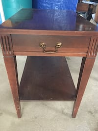 Wooden end table  Ebensburg, 15931