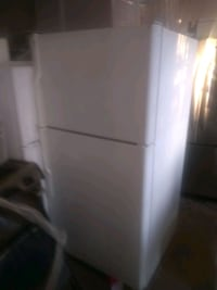 Ge top and bottom fridge white San Bernardino, 92411