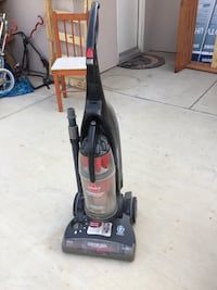 Bissell carpet cleaner(partly working) Bakersfield, 93314