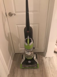 Powergroom pet bagless vacuum 1 very good condition Toronto, M8V 3K3