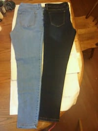 2pr. Ladies jeans,12's Syracuse, 13209