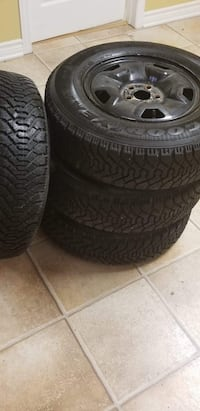 Winter tires almost new on rims P195 / 75R14 Gatineau