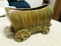 Shawnee USA #733 covered wagon planter  Moscow Mills, 63362