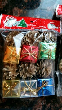 Small Christmas Package Decorations Halton Hills, L7G 2T5