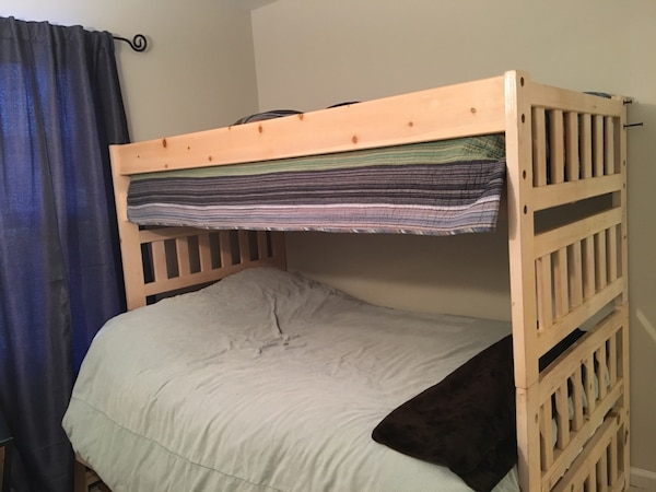 Solid bunk bed!