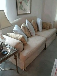 Blue/cream 3-seat sofa Robbinsville, 08691