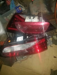 Tailgate marker lights