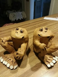 two brown and white ceramic figurines Harrison, 48625