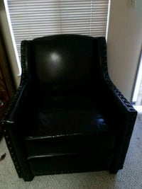 black leather padded wooden armchair Milpitas, 95035