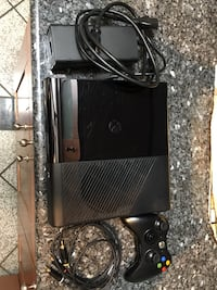 Black xbox 360 console with controller Fairfax, 22030