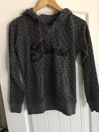 Guess hoodie sweater size med Hamilton, L8J 0H4