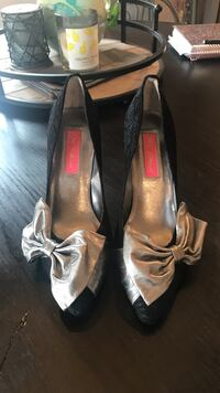 Black Betsy Johnson heels size 6