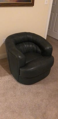 Green Leather Chair - Rotating Base Ashburn, 20147