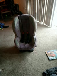 baby's gray and black car seat carrier Glen Burnie, 21061