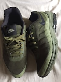 pair of gray-and-black Nike running shoes Bakersfield, 93304