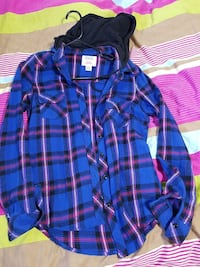 blue and red button-up long-sleeved shirt