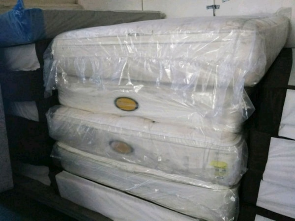 Pillowtop Beds : Queen and Cal King ac490970-cbae-4175-9a5d-6fd218fd6e0a