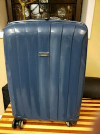 "Ricardo 20"" Rolling Suitcase Chicago, 60630"