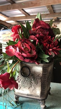 red faux peony and daisy flower arrangement Cohutta, 30710